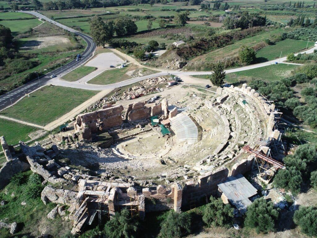 Το Θέατρο κατά τη διάρκεια των εργασιών αποκατάστασης