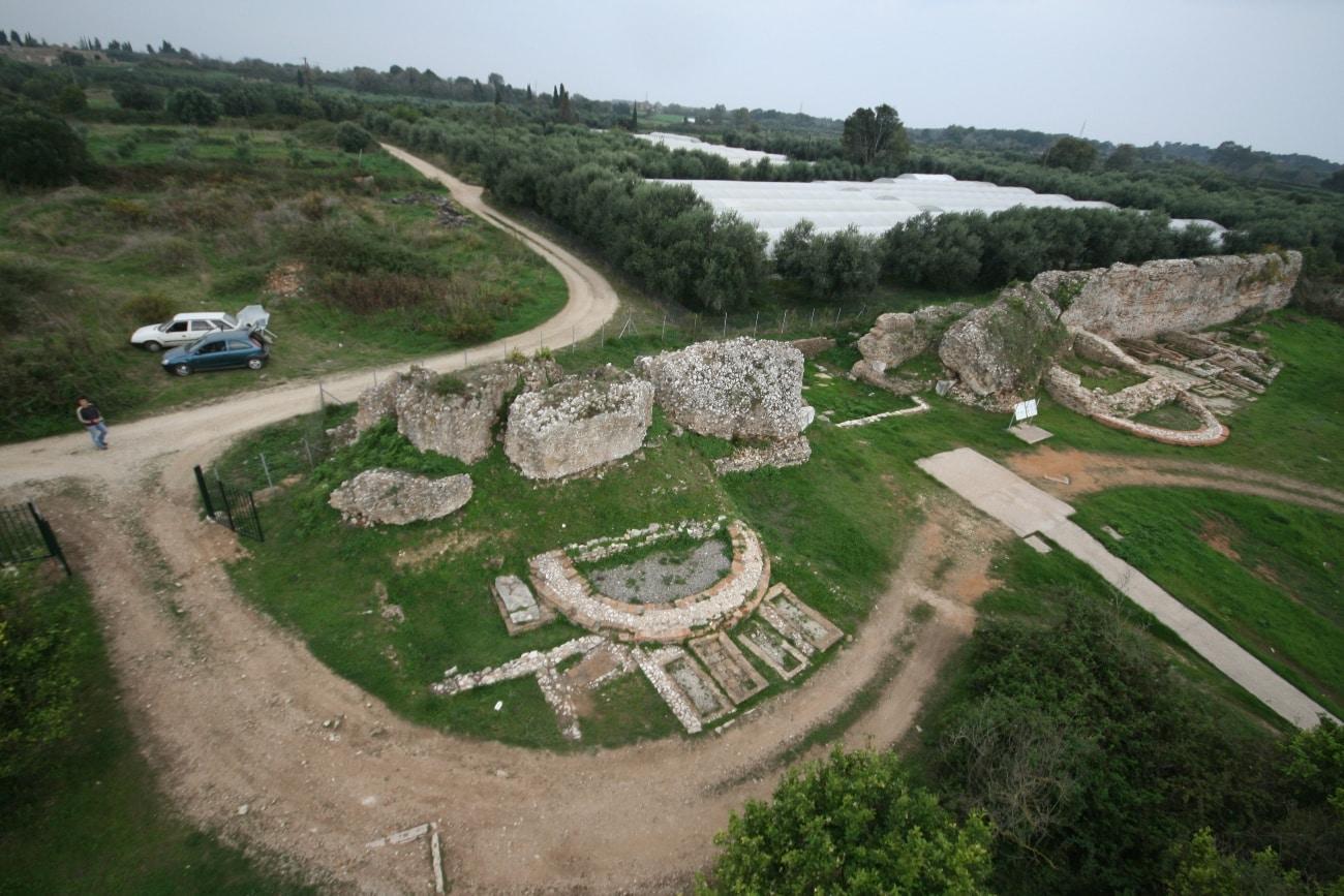 Η ΒΔ πύλη και τα ταφικά μνημεία της Βόρειας νκερόπολης