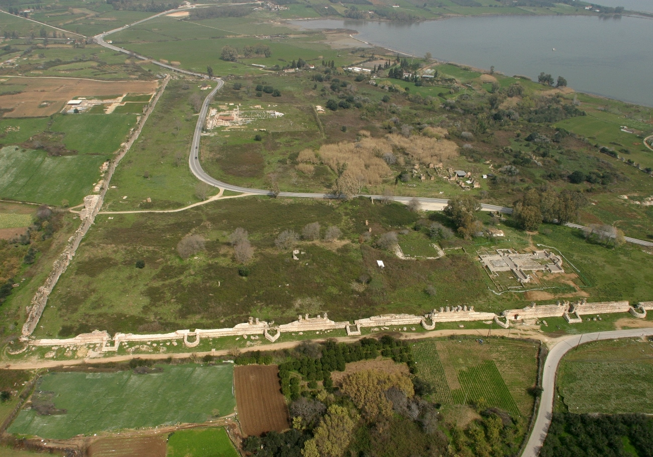 Aerial photo of the walls and Basilicas A and B