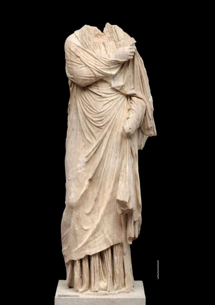 """Marble statue of the """"Little Herakleotissa"""" type"""